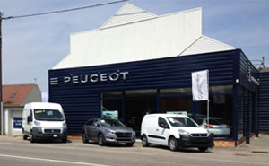 concessionnaire agent peugeot distributeur garage renault trucks. Black Bedroom Furniture Sets. Home Design Ideas